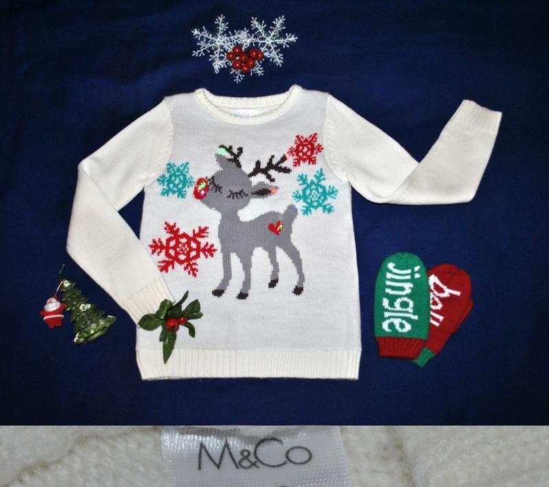 Новогодний свитер с лампочками оленем р.122