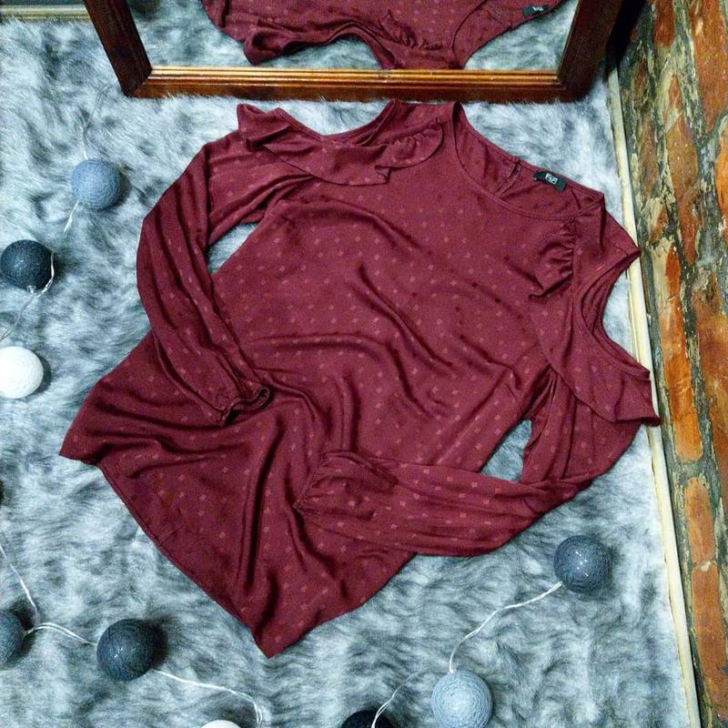 Блуза топ кофточка с вырезами на плечах f&f