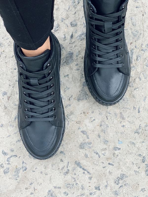 Крутые женские кожаные зимние ботинки