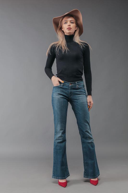Levi's новая коллекция стильные джинсы 26-27 р. новые! акция!