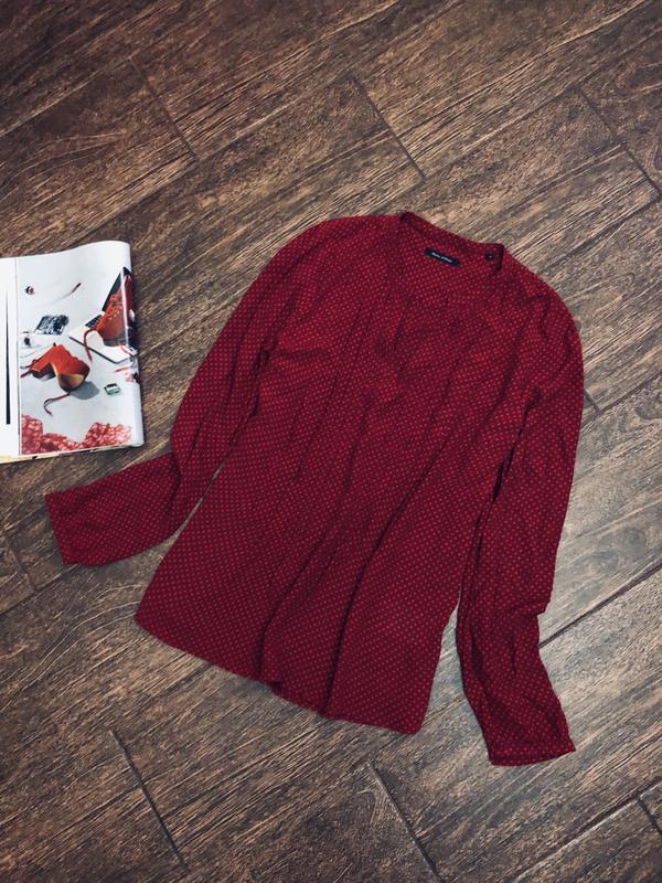 Очень стильная красная натуральная блуза в горошек