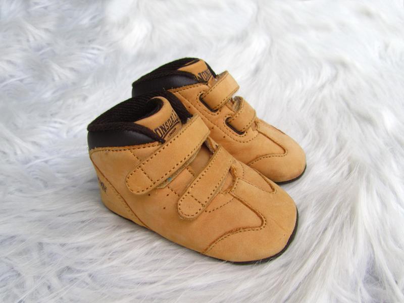 Теплые пинетки - ботинки  кроссовки кеды lonsdale