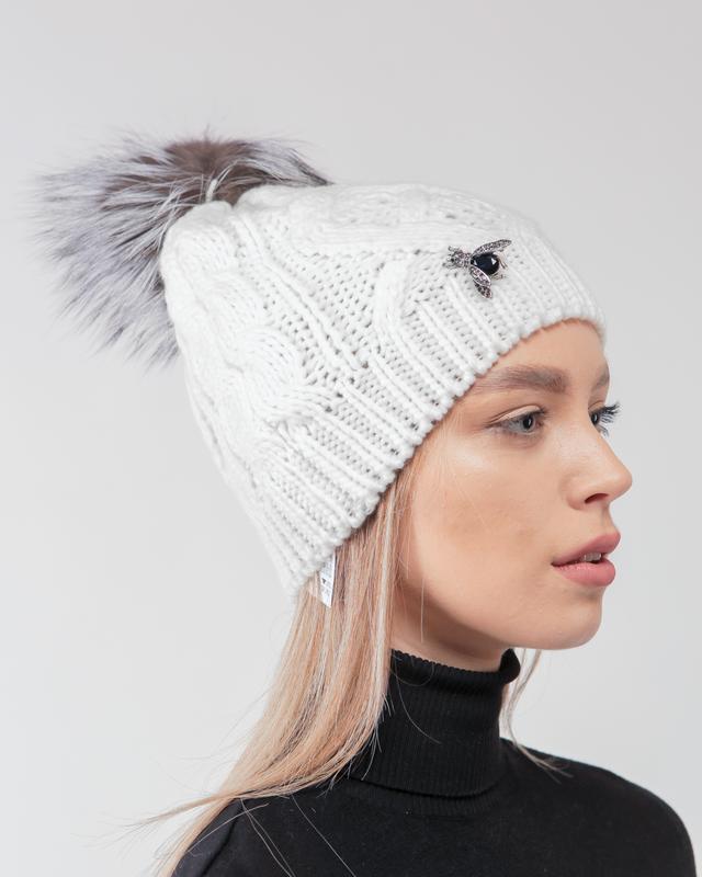 Яркая стильная зима! модная вязаная шапочка с меховым помпоном...