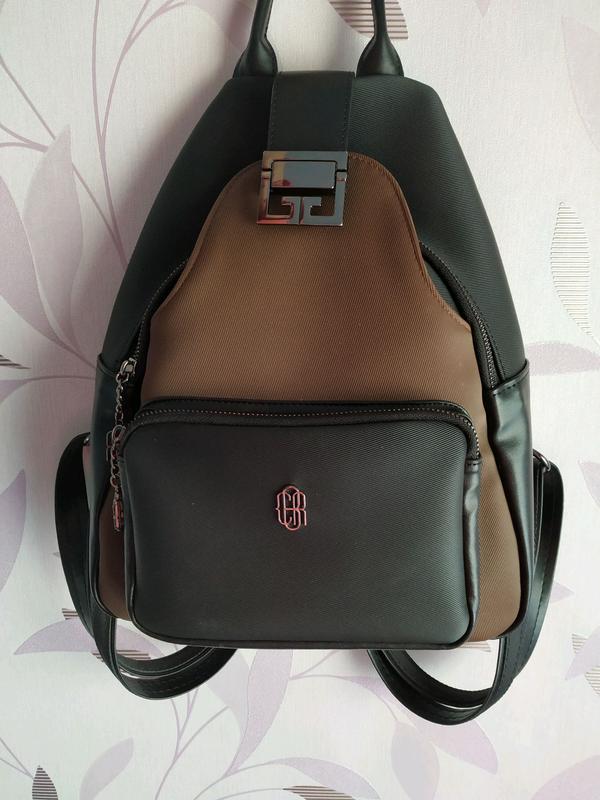Рюкзак кожаный городской женский коричневый черный классический