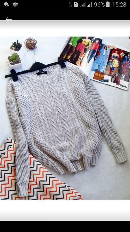 Модный свитер кофточка в косичку