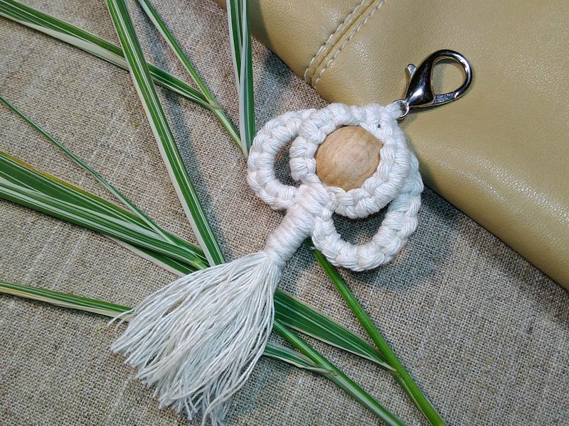 Брелок макраме на сумочку, этно-стиль, бохо-стиль. - Фото 2