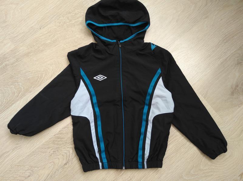 Куртка ветровка umbro 128-134 см 8-9 лет
