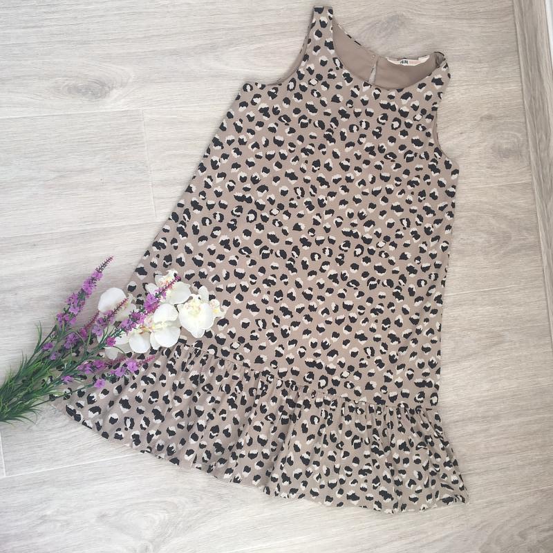 Платье на девочку на 8-9 лет