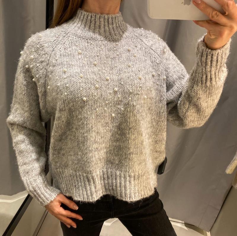 Тёплый серый свитер с жемчугом кофта reserved есть размеры
