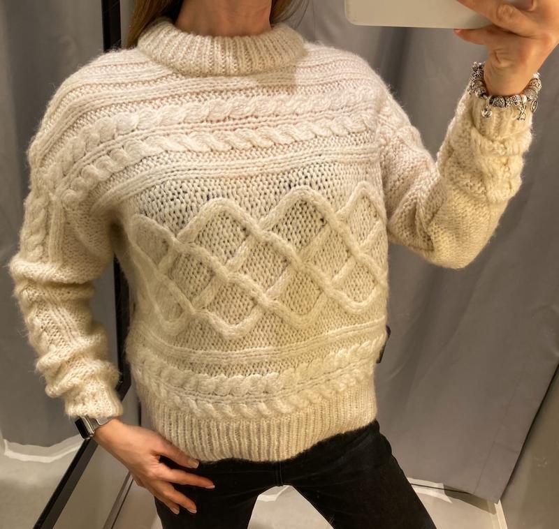 Вязаный молочный свитер reserved есть размеры