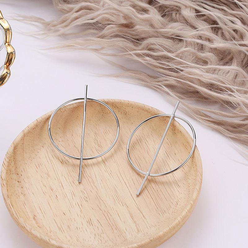 Интересные серьги кольца минимал круглые серебряного цвета