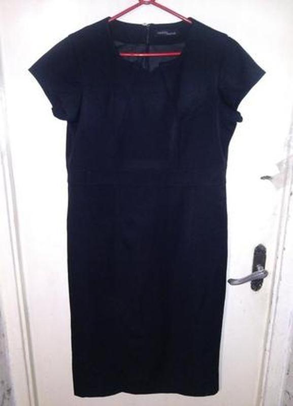 Стрейч,лаконичное,чёрное платье-футляр,с оригин.декольте,бол.1...
