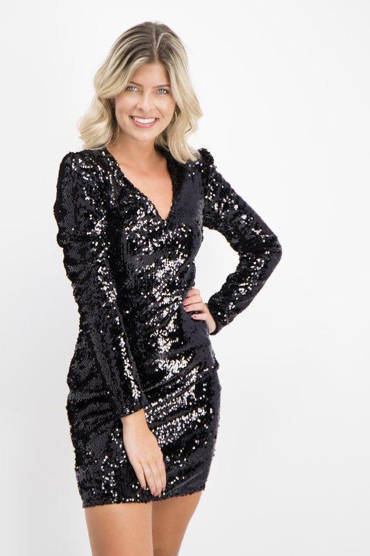 Продам новое женское праздничное новогоднее платье в паетках