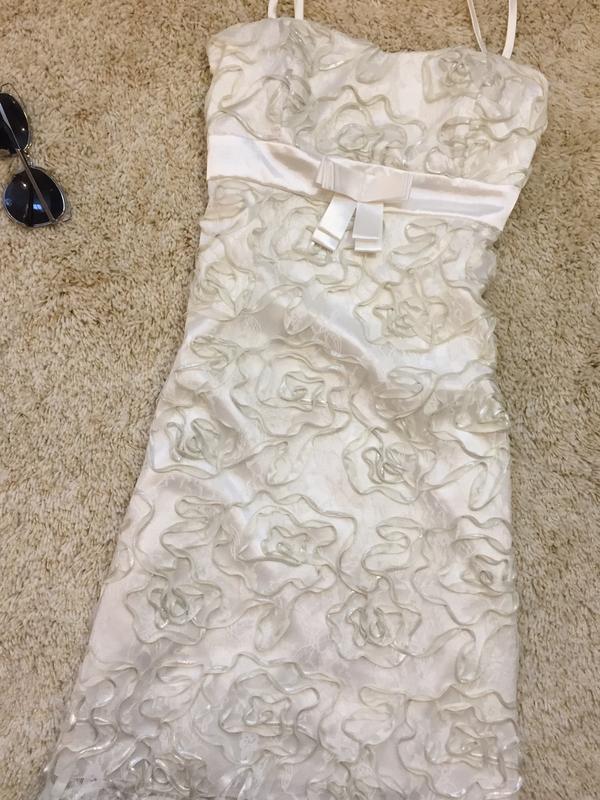 Объёмное вечернее платье