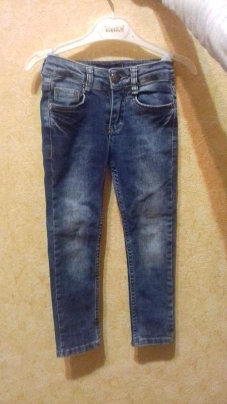 Детские джинсы для девочки на 4-5лет.