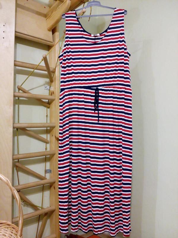 Трикотажное платье свободного кроя uk28