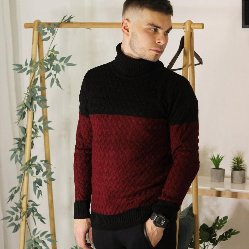 Красивый базовый шерстяной свитер для мужчины