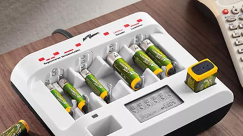 Профессиональное зарядное устройство аккумуляторы/батарейки/кронв