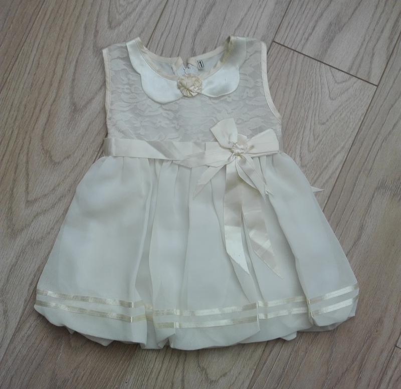 Красивое нарядное платье, шифон с кружевом, на 5 лет
