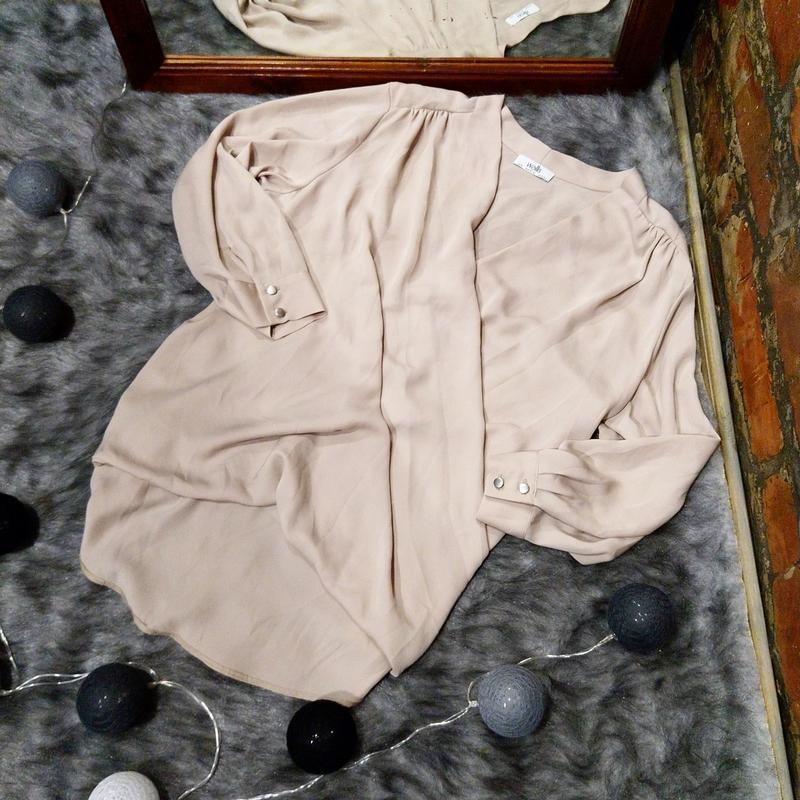 Свободная блуза с драпировкой на запах пастельного оттенка wallis