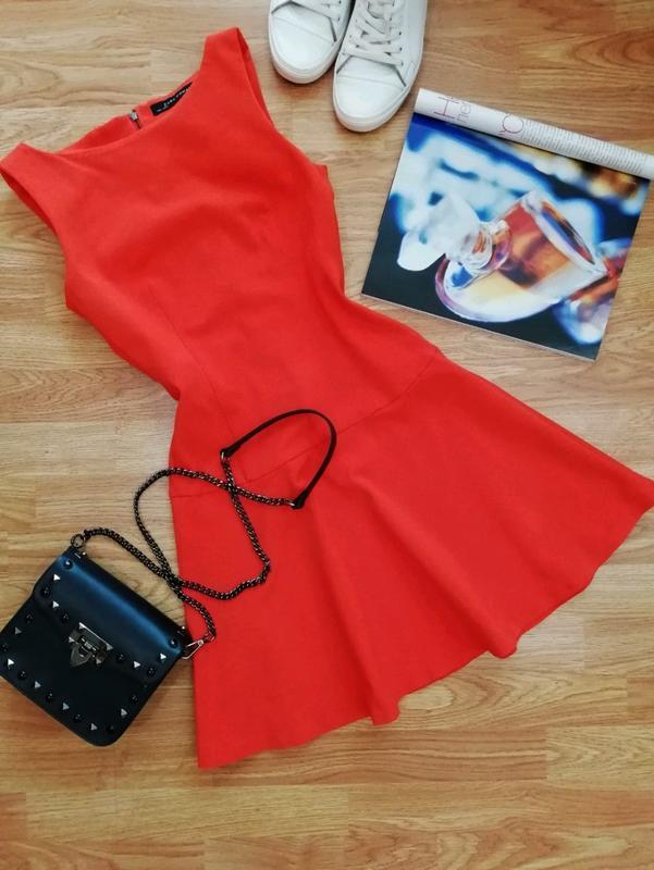 Женское яркое плотное брендовое платье zara - размер 42