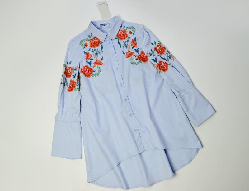 Zara стильная голубая блуза рубашка с вышивкой цветы