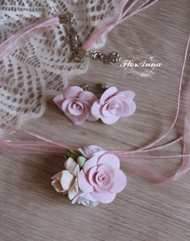 """Комплект  с цветами ручной работы """"розовый айвори"""". серьги и к..."""