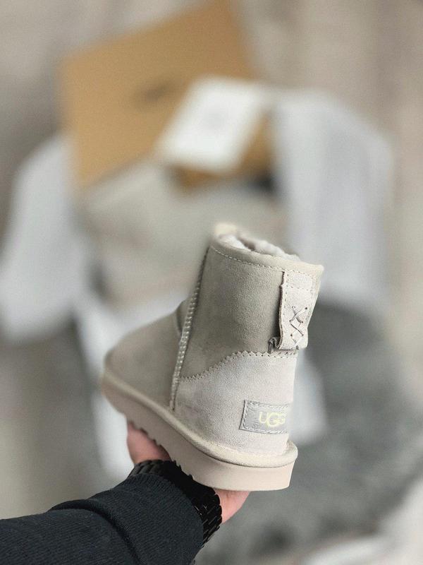 Ugg mini женские меховые сапоги угг в сером цвете /осень/зима/... - Фото 9