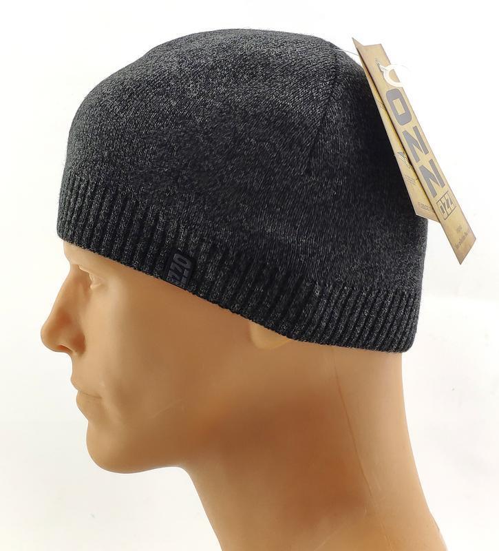 Мужская вязаная шапка серая