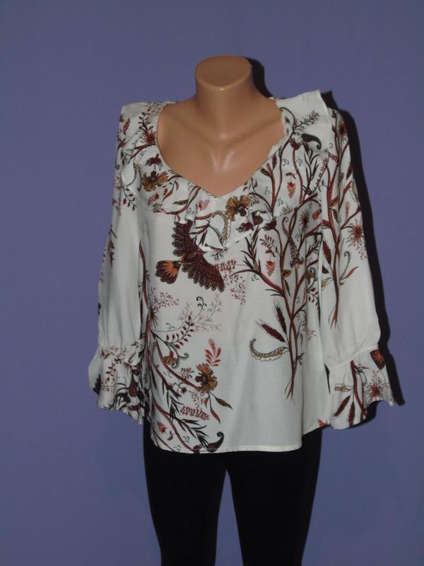 Блузочка с рюшами 10 размера