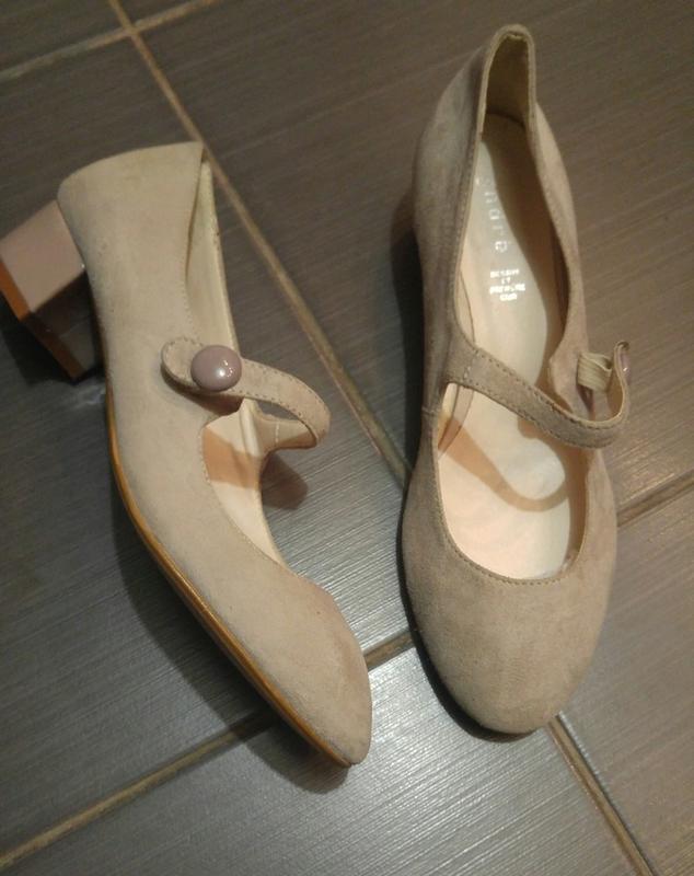Туфли из натуральной замши французского бренда andre