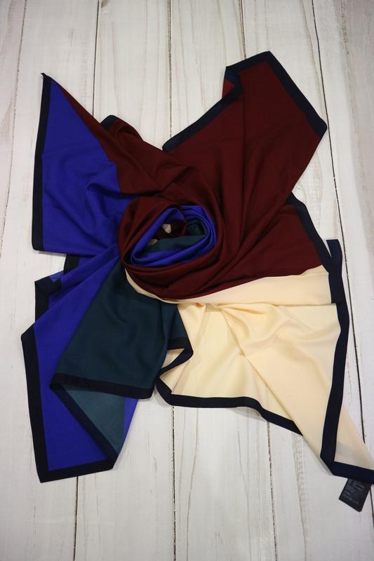 Большой платок комбинированной расцветки