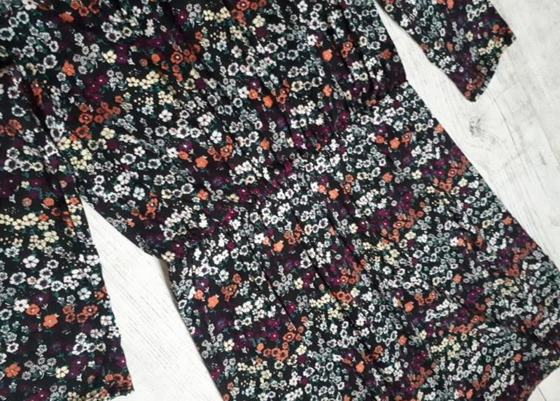 Платье в цветочный принт - Фото 3