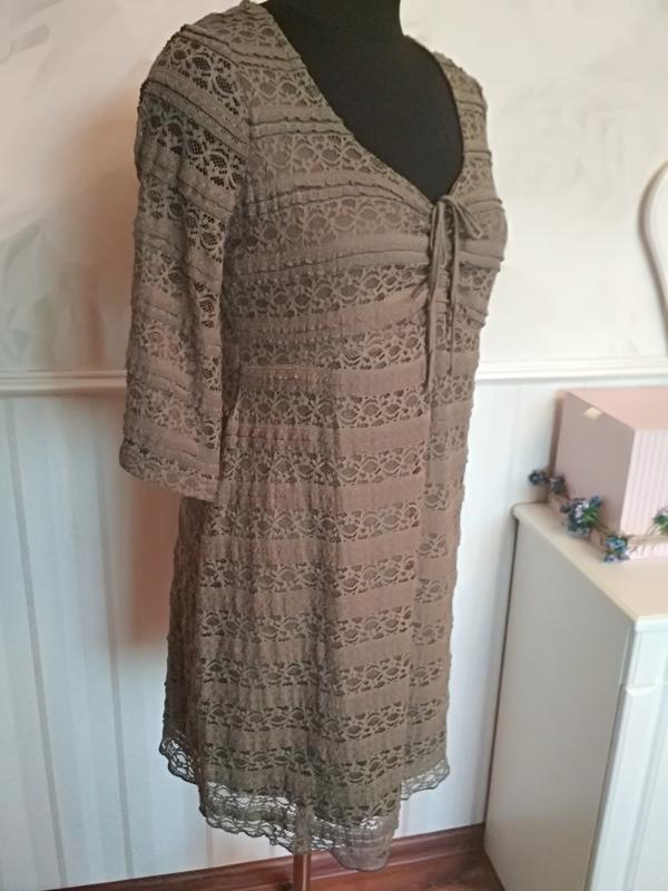 Трикотажное ажурное платье на подкладке цвета хакки, размер 50... - Фото 5