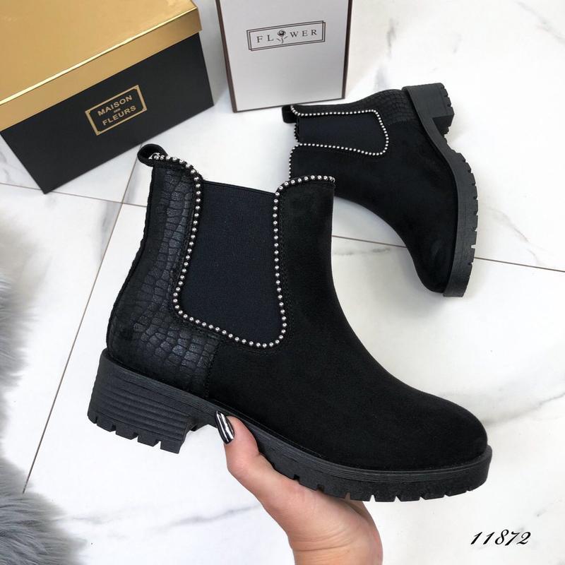 Осенние ботинки женские черные