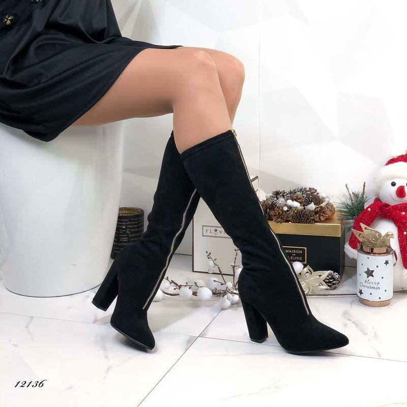 Женские сапоги на каблуке замшевые с молнией спереди - Фото 7