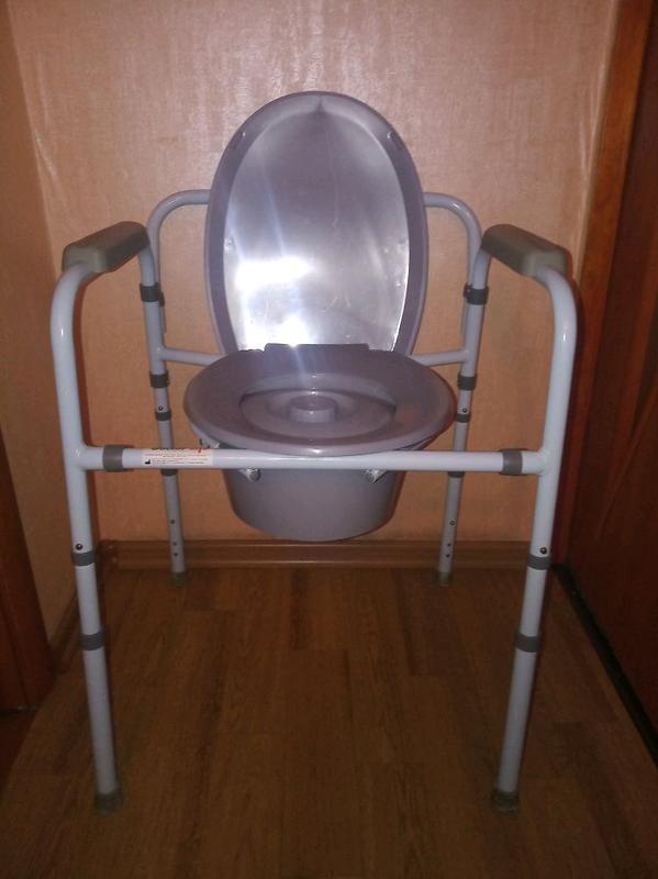 Стул туалетный со спинкой.