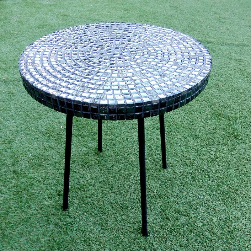 Кофейный столик из испанской мозаики.