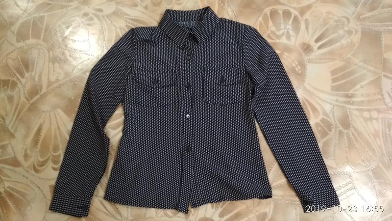 Стильная рубашка в горошек - Фото 4