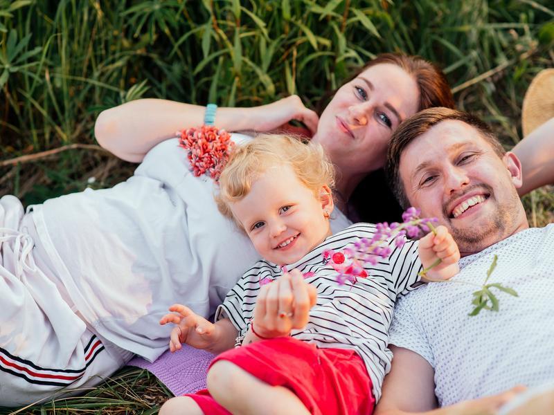 Ще є теплі деньки для сімейної фотосесії! Замляйте вже зараз.
