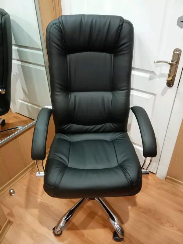 Кресло руководителя компьютерное Марсель Неаполь черное. - Фото 3