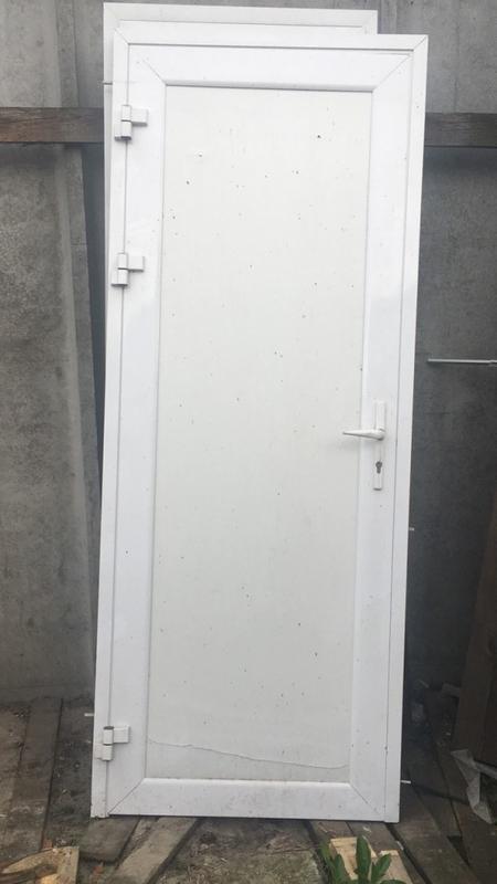 Алюмінієві двері, б/у