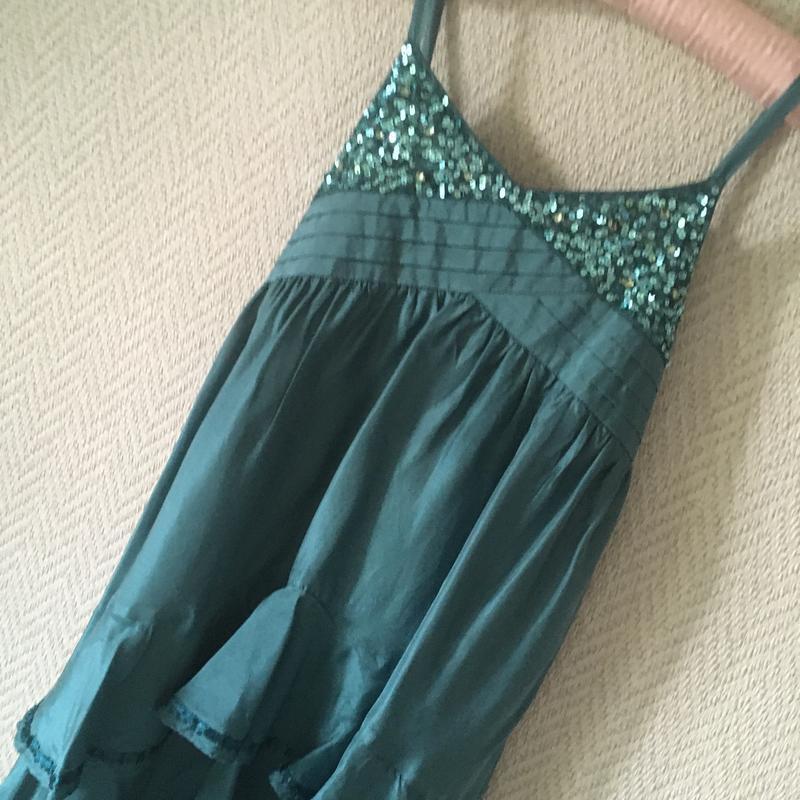 Нарядное платье на бретелях сарафан - Фото 4