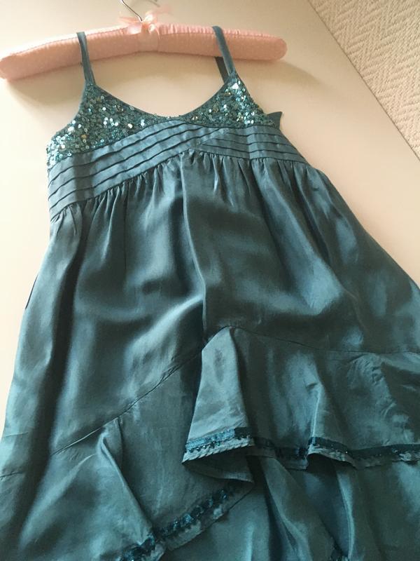 Нарядное платье на бретелях сарафан - Фото 6