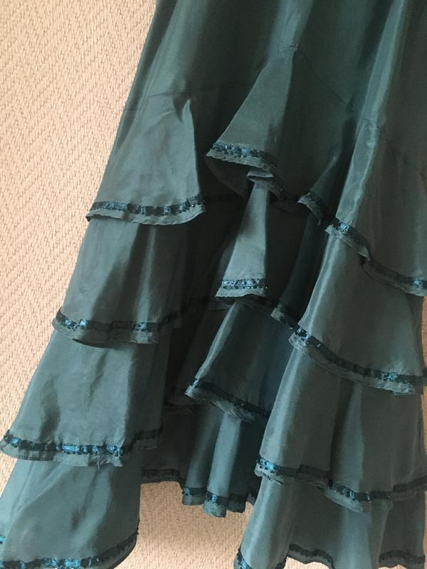 Нарядное платье на бретелях сарафан - Фото 7