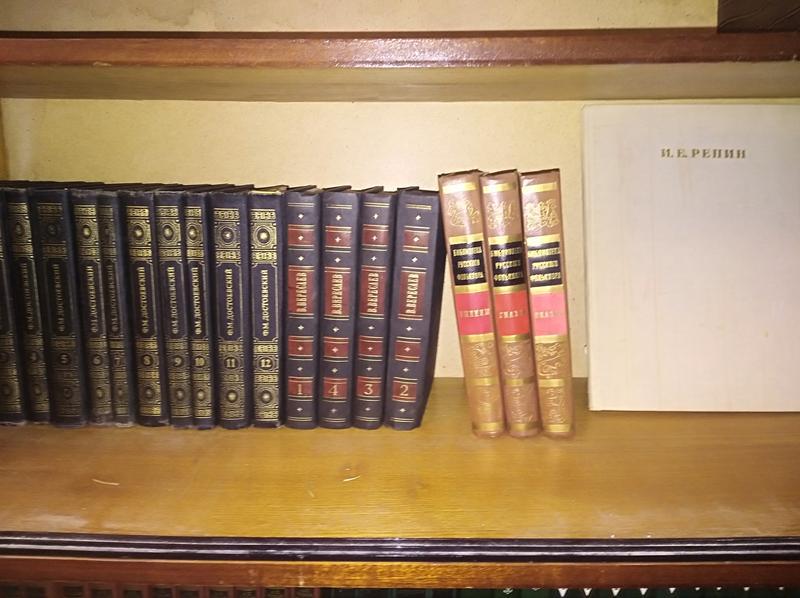 Продам коллекции книг