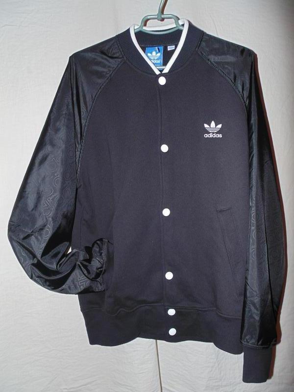 Куртка бомбер adidas оригинал утепленный на осень , состояние ... - Фото 3