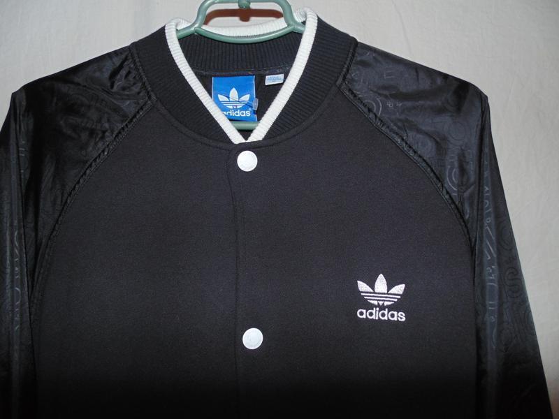 Куртка бомбер adidas оригинал утепленный на осень , состояние ...