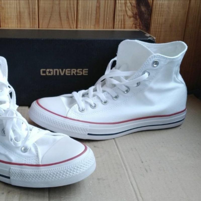 Высокие белые кеды кроссовки с резиновым носком текстильные