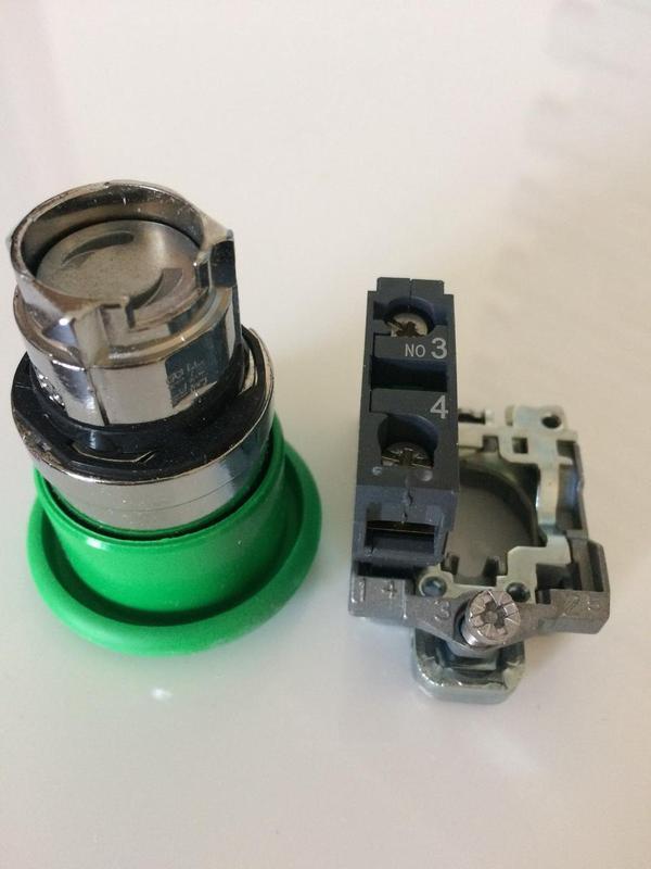 Кнопка зеленая c возвратом 22 мм Schneider Electric HarmonyXB4ZB4 - Фото 4